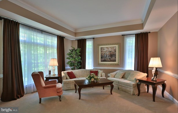 Single Family Residence, Colonial - NOKESVILLE, VA (photo 5)
