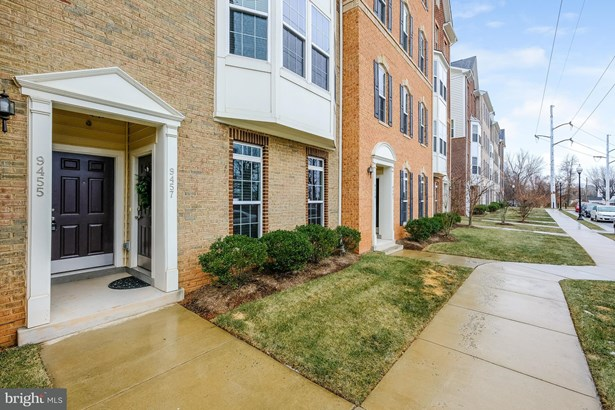 Townhouse, Contemporary - MANASSAS, VA (photo 1)