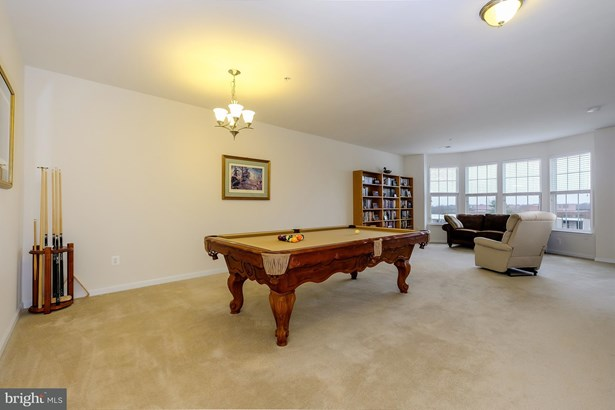 Townhouse, Contemporary - MANASSAS, VA (photo 3)