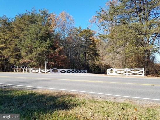 Single Family Residence, Colonial - SPOTSYLVANIA, VA (photo 3)