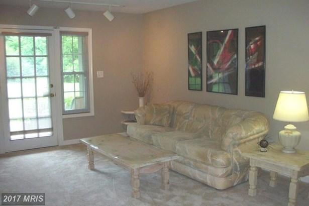 Colonial, Condo,Garden 1-4 Floors - SPRINGFIELD, VA (photo 2)