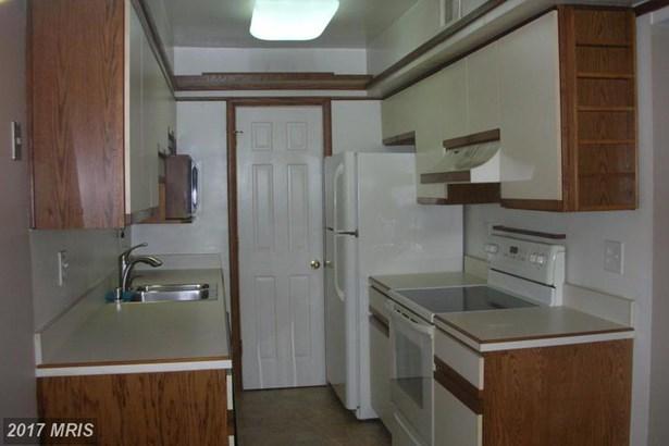 Colonial, Condo,Garden 1-4 Floors - SPRINGFIELD, VA (photo 5)