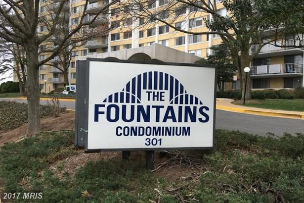 Condo,Hi-Rise 9+ Floors - ALEXANDRIA, VA (photo 2)