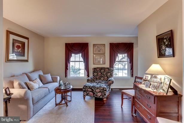 Single Family Residence, Colonial - DUMFRIES, VA (photo 3)