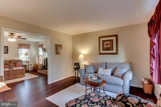 Single Family Residence, Colonial - DUMFRIES, VA (photo 4)