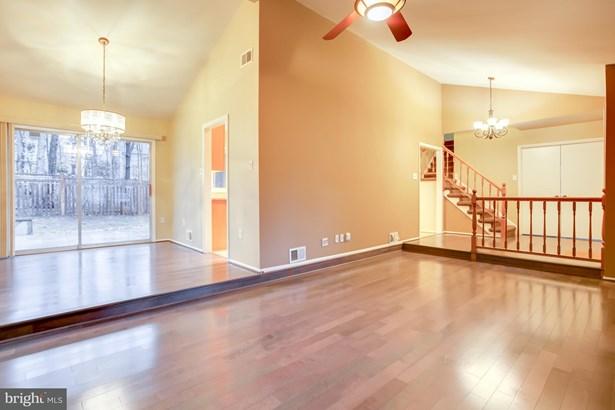 Single Family Residence, Contemporary - STERLING, VA (photo 4)