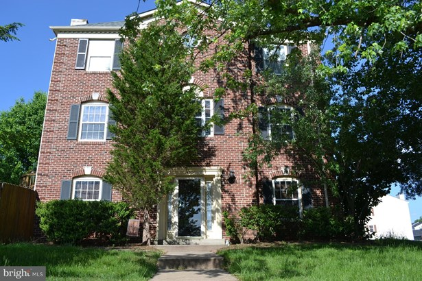 Colonial, End Of Row/Townhouse - CENTREVILLE, VA (photo 1)