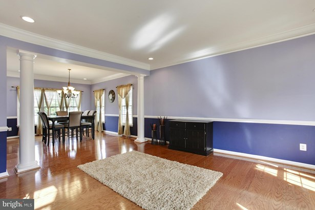 Single Family Residence, Colonial - CHANTILLY, VA (photo 3)