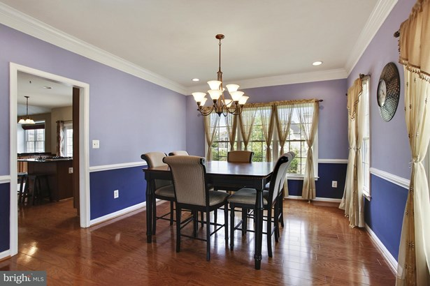 Single Family Residence, Colonial - CHANTILLY, VA (photo 4)
