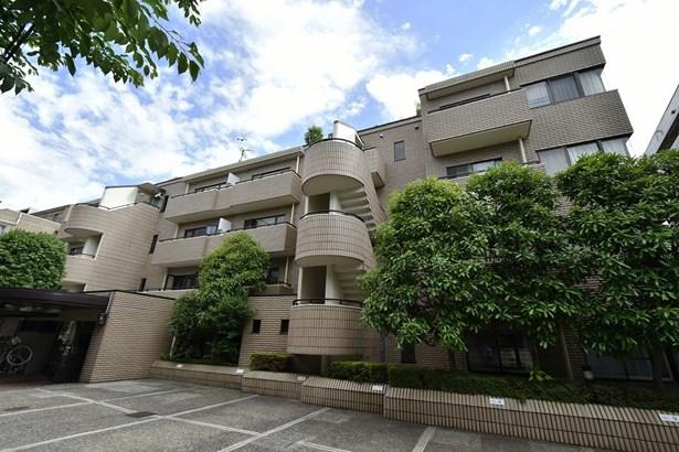 3-5-33, Nishi-azabu 2f, Minato-ku, Tokyo - JPN (photo 1)