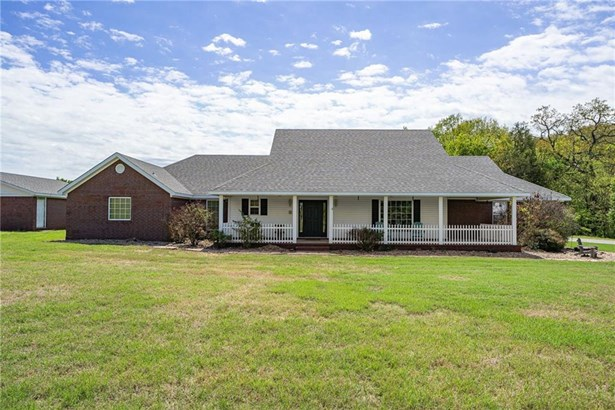 Country, House - Chester, AR
