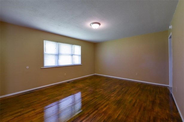 House - Gans, OK (photo 4)