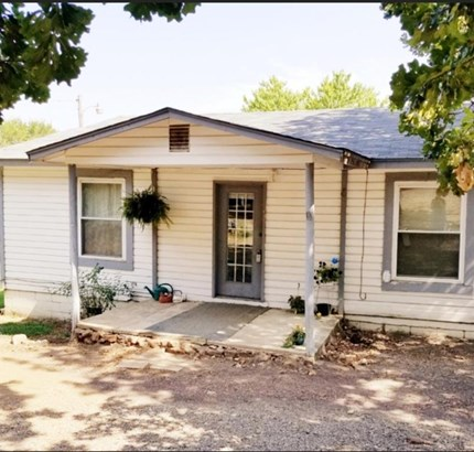 Fixer Upper, House - Bonanza, AR (photo 1)