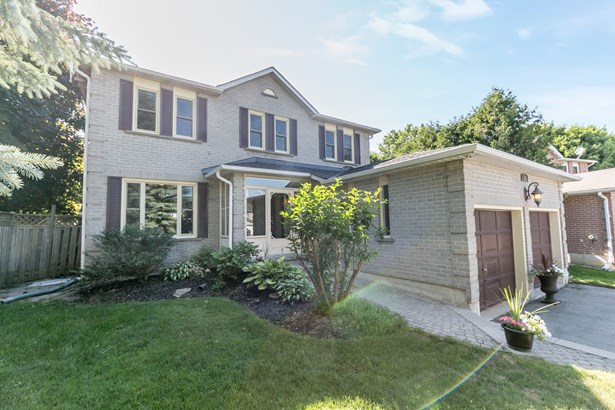 382 Spillette Court, Newmarket, ON - CAN (photo 1)