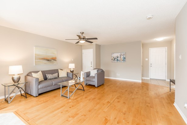 189 Hanmer Street East, Barrie, ON - CAN (photo 5)