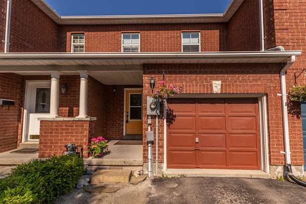 499 Ainsworth Drive, Newmarket, ON - CAN (photo 1)