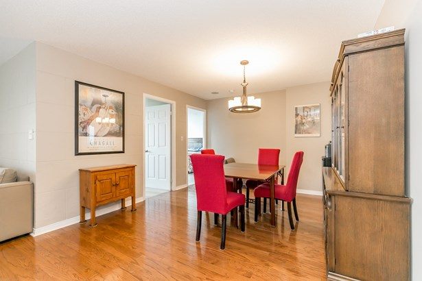 51 Baffin Court  Ph6, Richmond Hill, ON - CAN (photo 4)