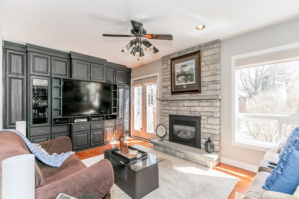 476 Doyle Court, Newmarket, ON - CAN (photo 5)