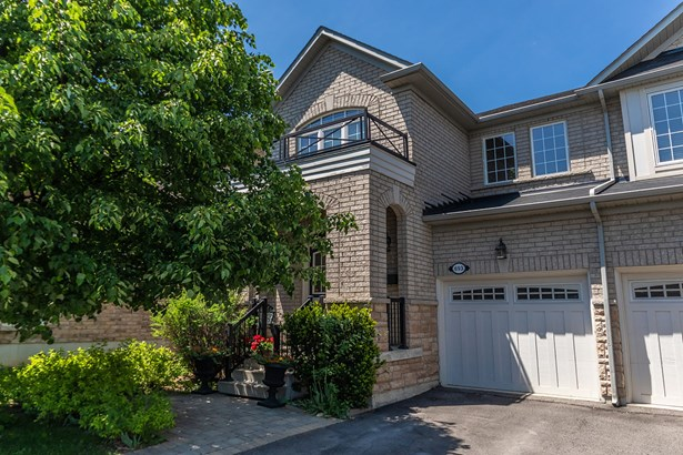 693 Skye Court, Newmarket, ON - CAN (photo 1)