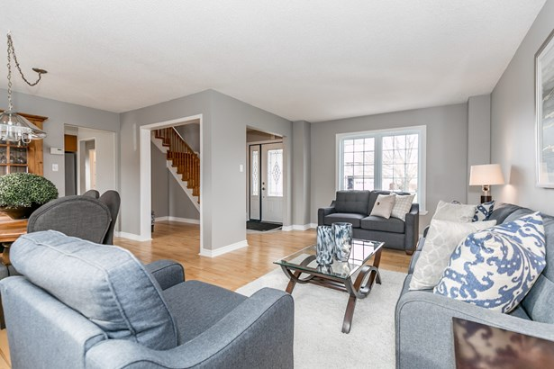 1046 Meadow Lane, Newmarket, ON - CAN (photo 3)
