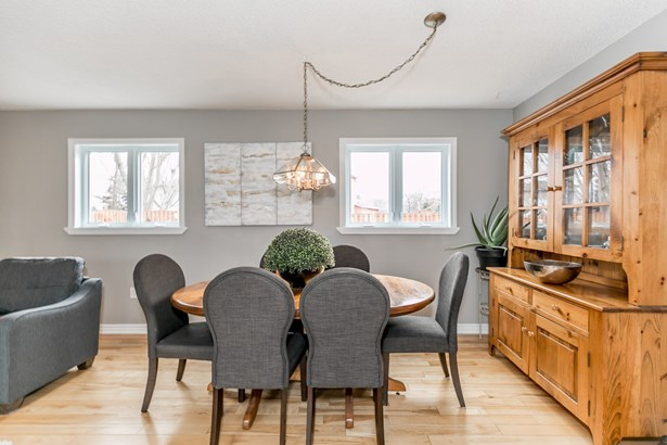 1046 Meadow Lane, Newmarket, ON - CAN (photo 4)