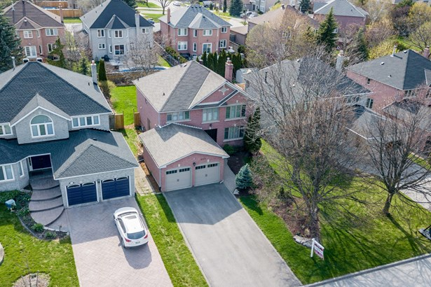 886 Comfort Lane, Newmarket, ON - CAN (photo 2)