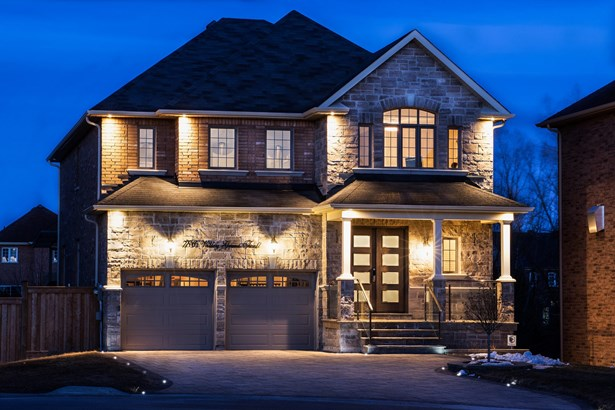 786 Valley Green Trail, Newmarket, ON - CAN (photo 2)