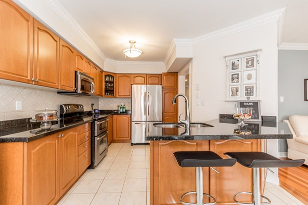 260 Mcbride Crescent, Newmarket, ON - CAN (photo 3)