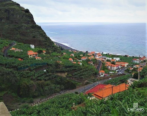 Land in Madalena do Mar with fantastic sea view Foto #1