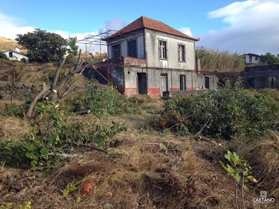 Land with old House to retrieve  Foto #1