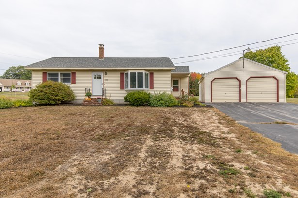 Single Family Residence, Ranch - Windham, ME