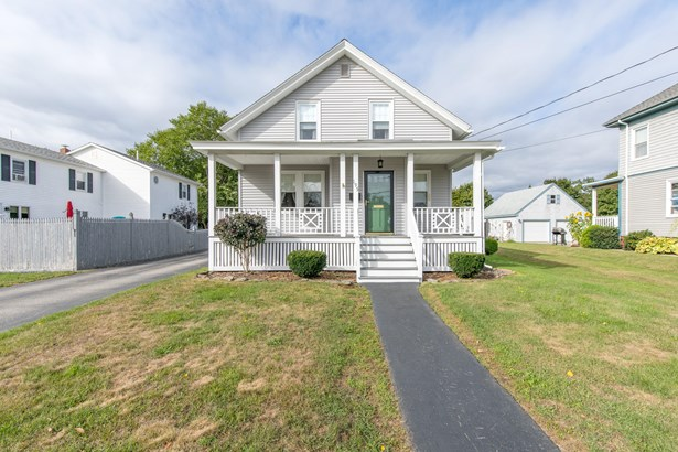Bungalow,Cape,Cottage, Single Family Residence - South Portland, ME