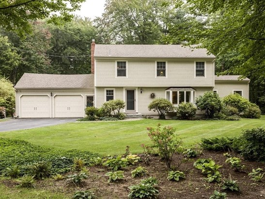 Single Family Residence, Colonial - Yarmouth, ME