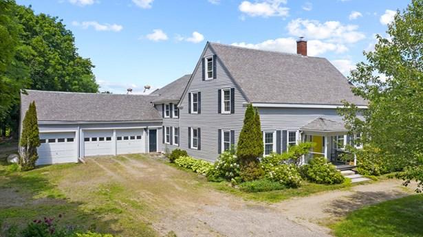 Single Family Residence, Farmhouse - West Gardiner, ME