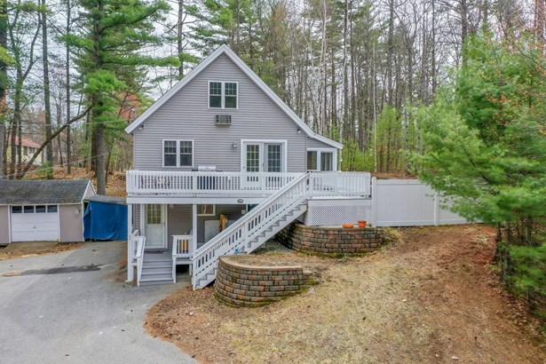 Single Family Residence, Cape - Waterboro, ME