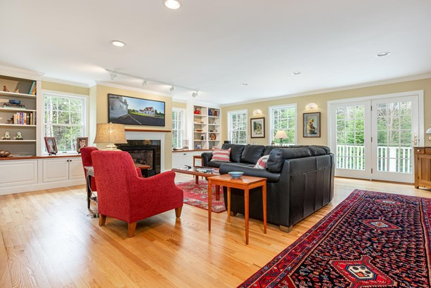 Single Family Residence, Other Style - Freeport, ME