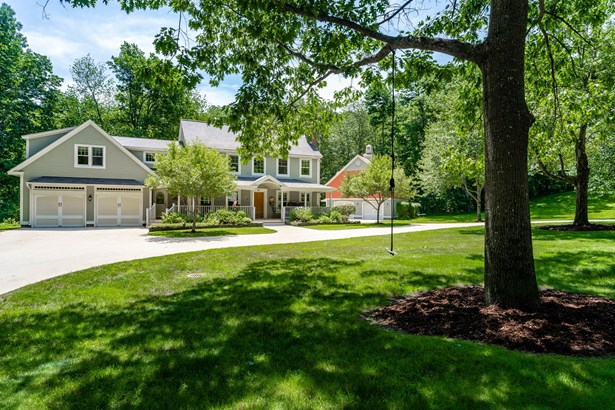 Single Family Residence, Colonial,Contemporary - Falmouth, ME