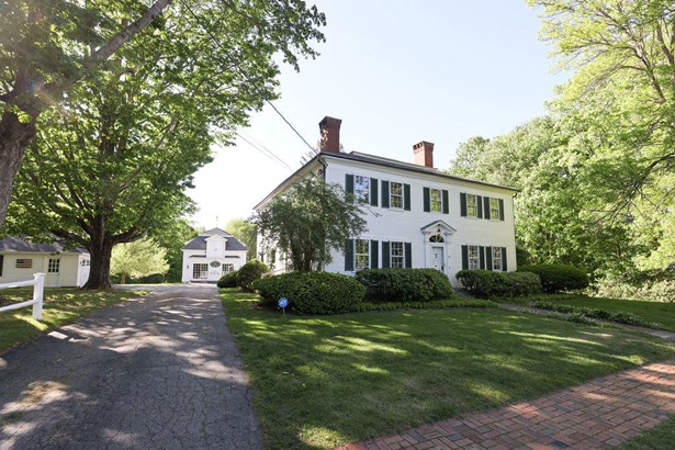 Single Family Residence, Colonial - Kennebunk, ME