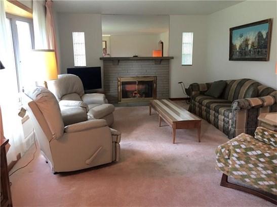 109 Royal Dr, Shaler Township, PA - USA (photo 3)