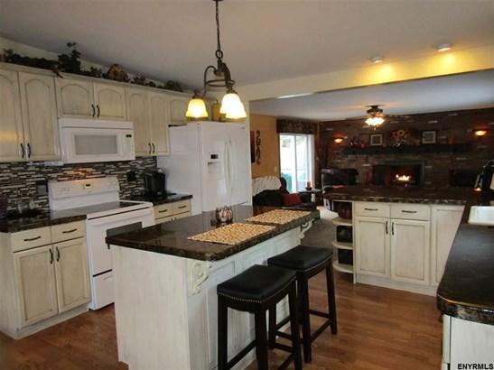 316 Gardnersville Rd, Cobleskill, NY - USA (photo 5)