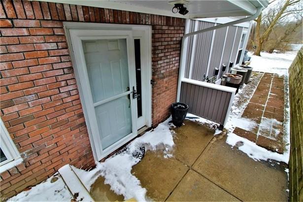 255 Portage Lakes Dr F, Akron, OH - USA (photo 2)