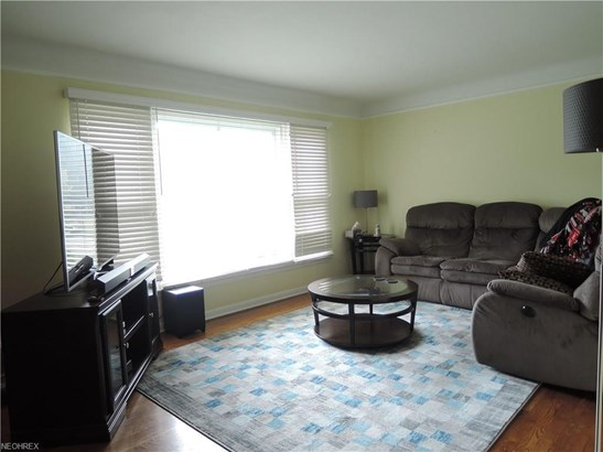 5836 Circle Dr, Mayfield Heights, OH - USA (photo 3)