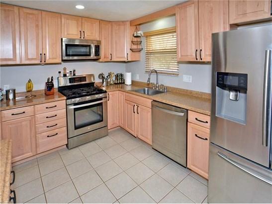 593 Lorraine Rd, Braddock Hills, PA - USA (photo 2)