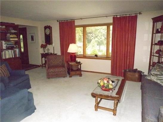 4806 Barone Dr, Whitehall, PA - USA (photo 3)