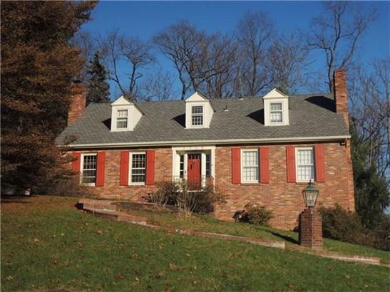 1709 Pinetree Drive, Upper St. Clair, PA - USA (photo 1)