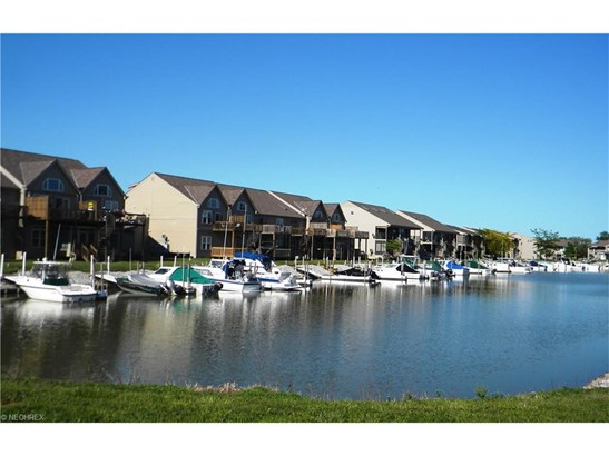 8848 W Canada Goose Ct, Oak Harbor, OH - USA (photo 4)
