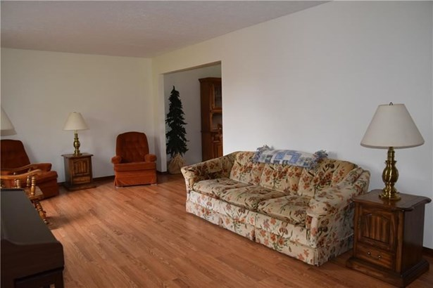 2776 Van Buren Dr, Lower Burrell, PA - USA (photo 4)