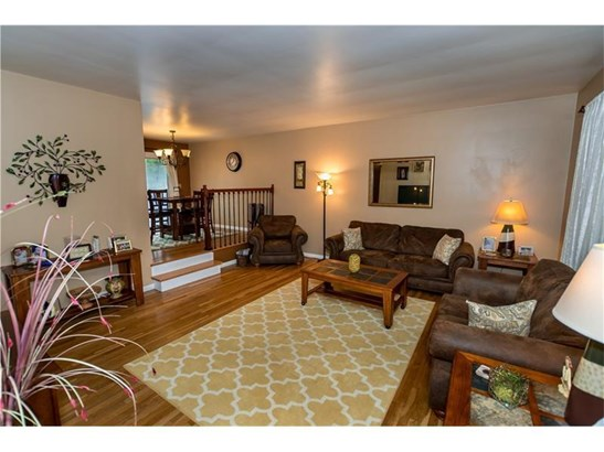 116 Farmview Drive, Oliphant Furnace, PA - USA (photo 4)