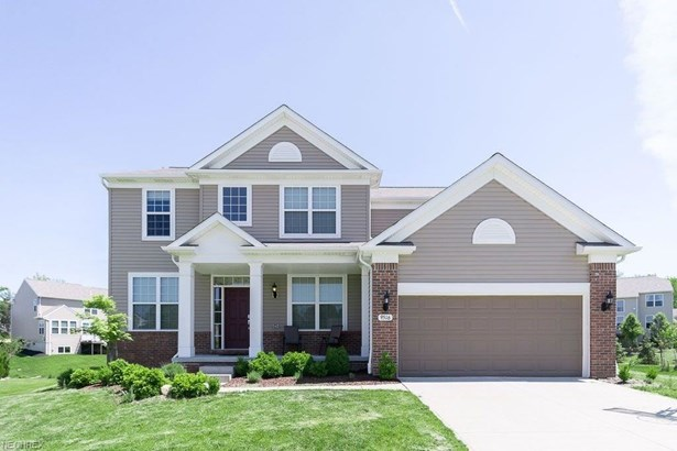 9516 N Bexley Dr, Strongsville, OH - USA (photo 1)