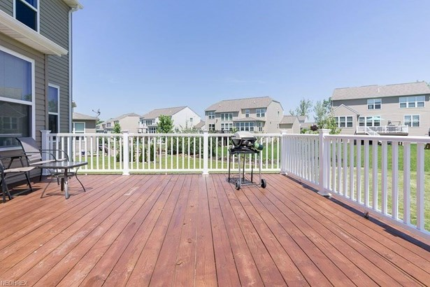 9516 N Bexley Dr, Strongsville, OH - USA (photo 4)
